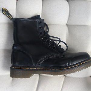 Dr Marten Women's Classic Boots